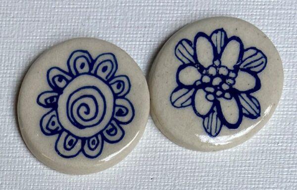 BLU-004 A small discs