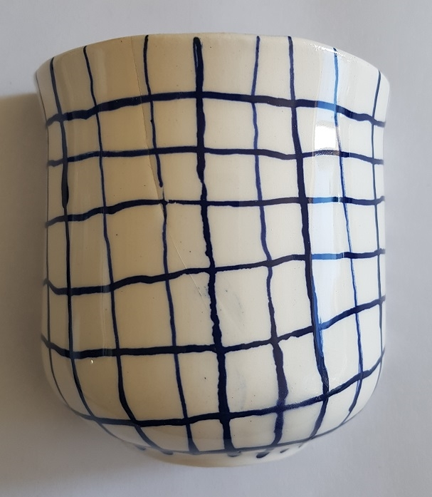 BLU-017 Half vase checked