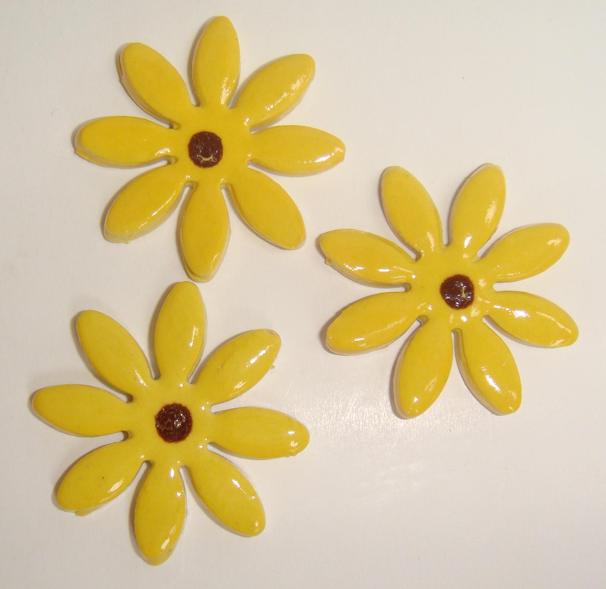 FLO-002 Daisy Large Yellow