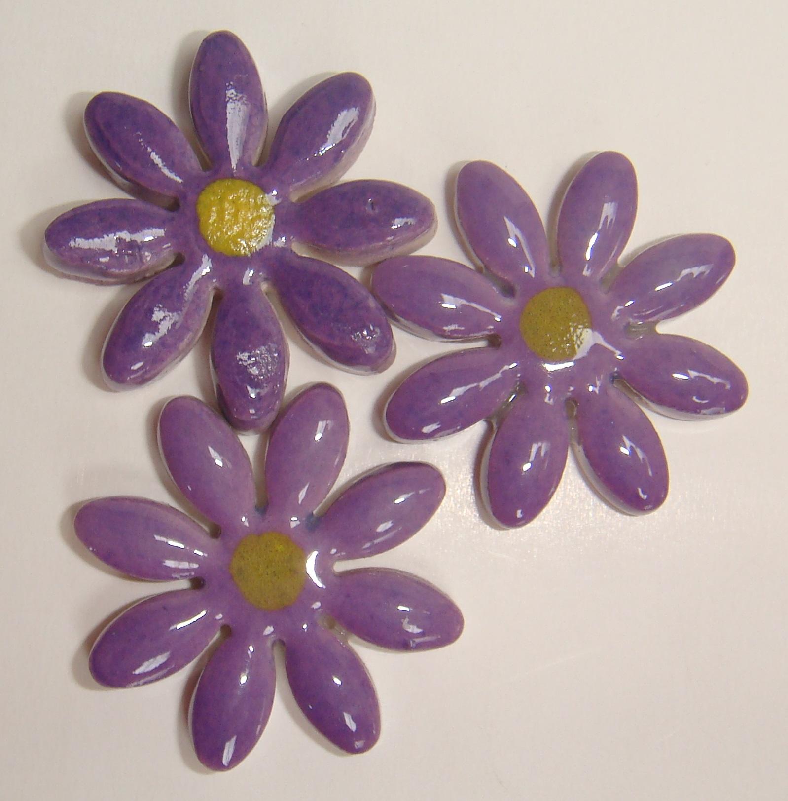 FLO-003 Daisy Medium Purple