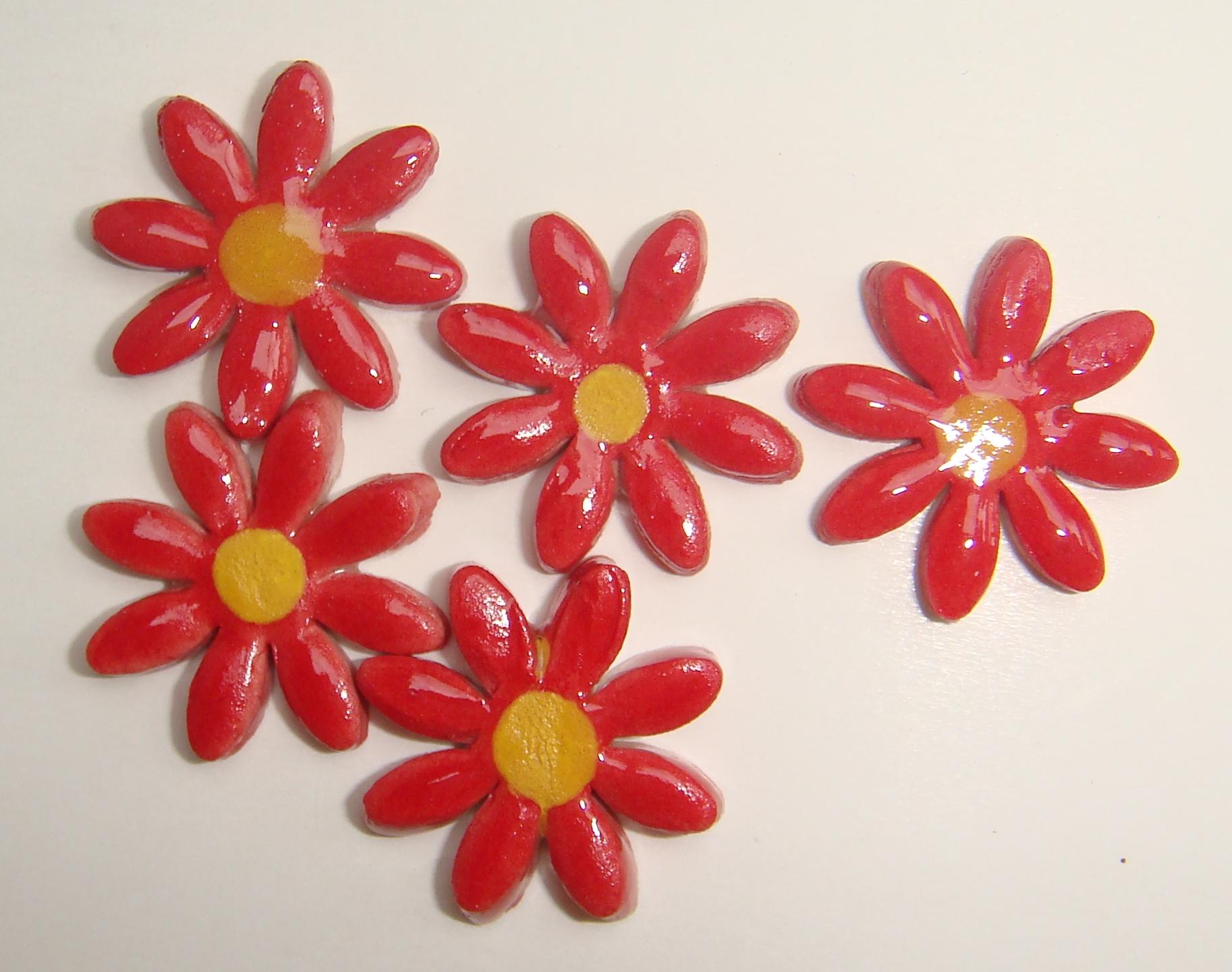FLO-004 Daisy Small Red