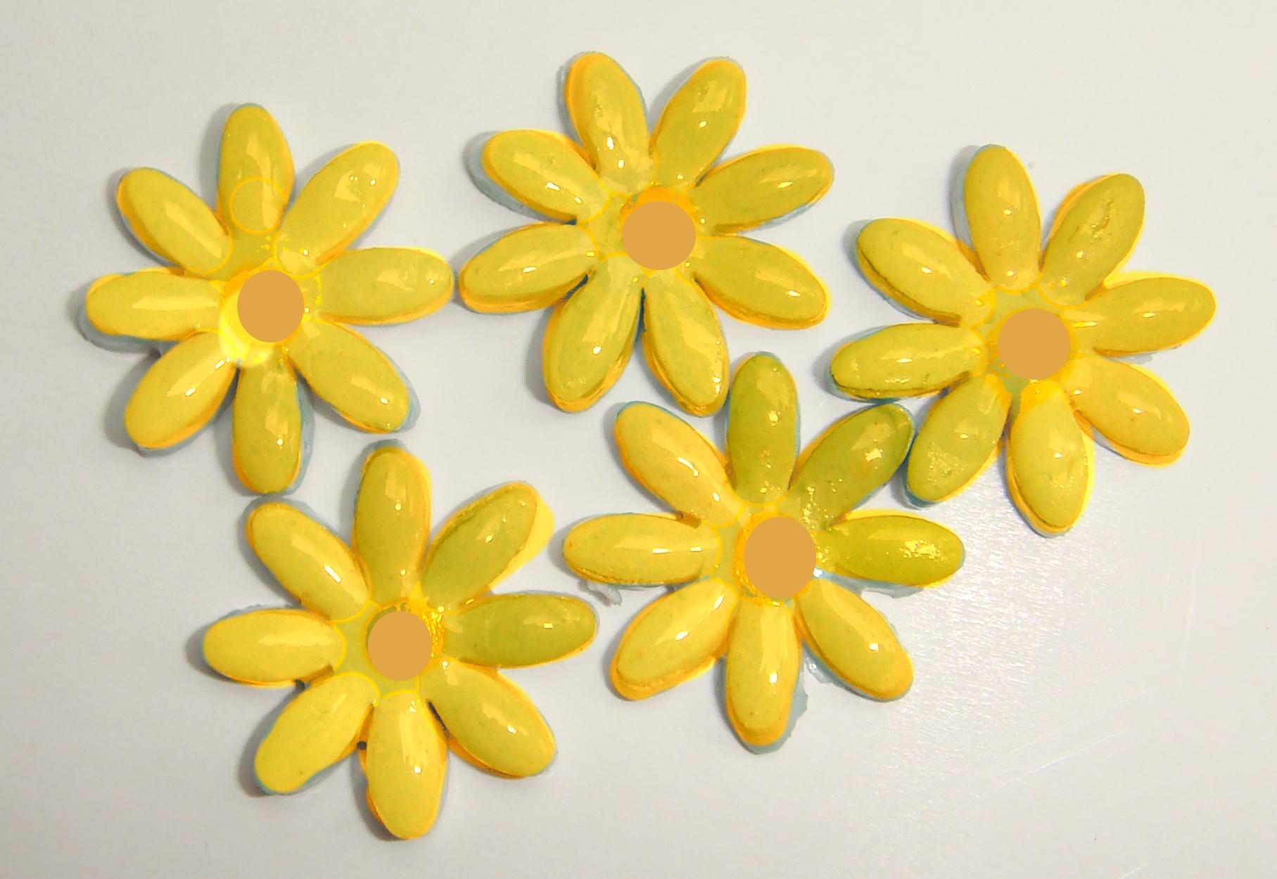 FLO-004 Daisy Small Yellow