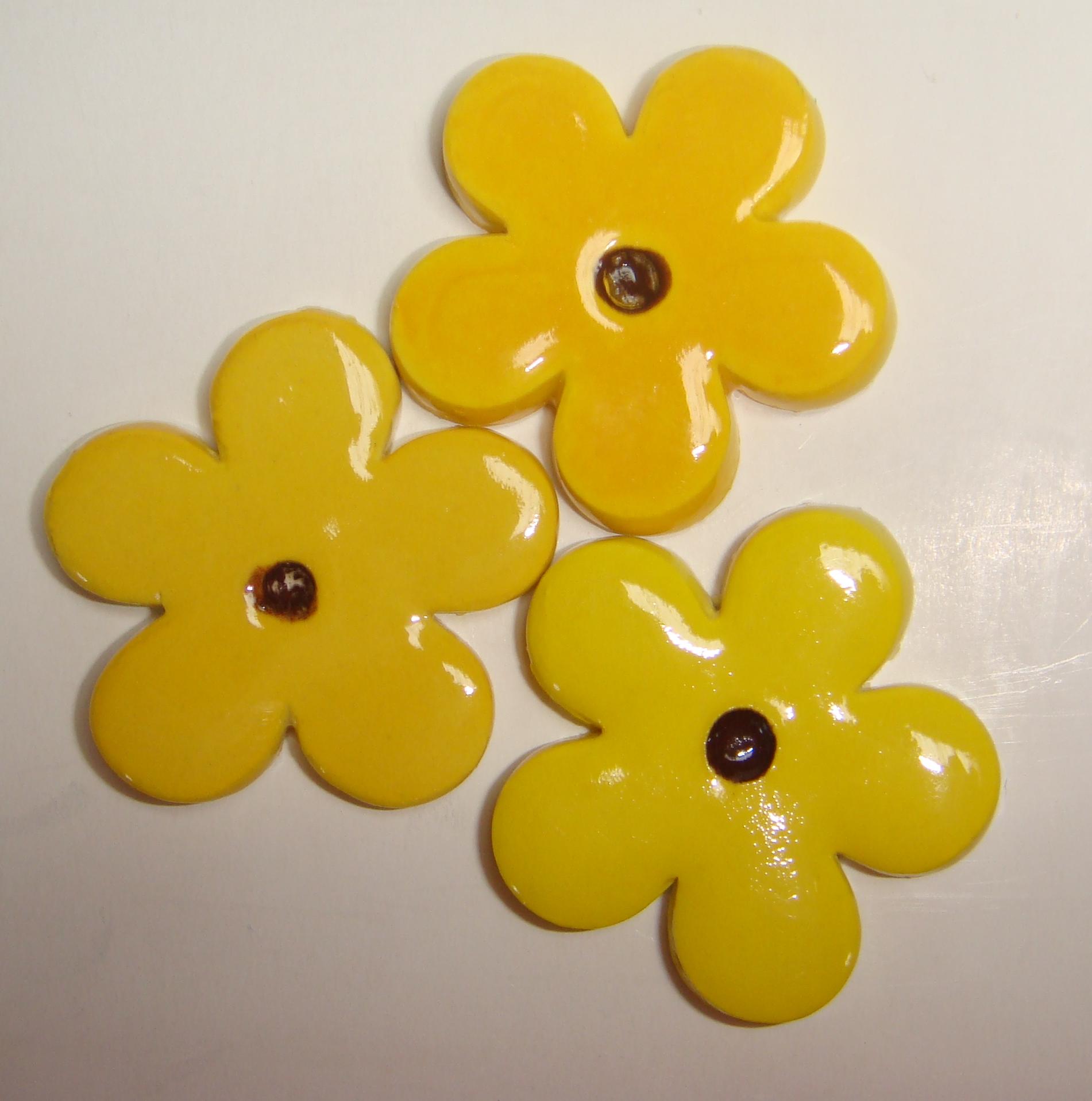 FLO-018 Happy Flower Large Yellow
