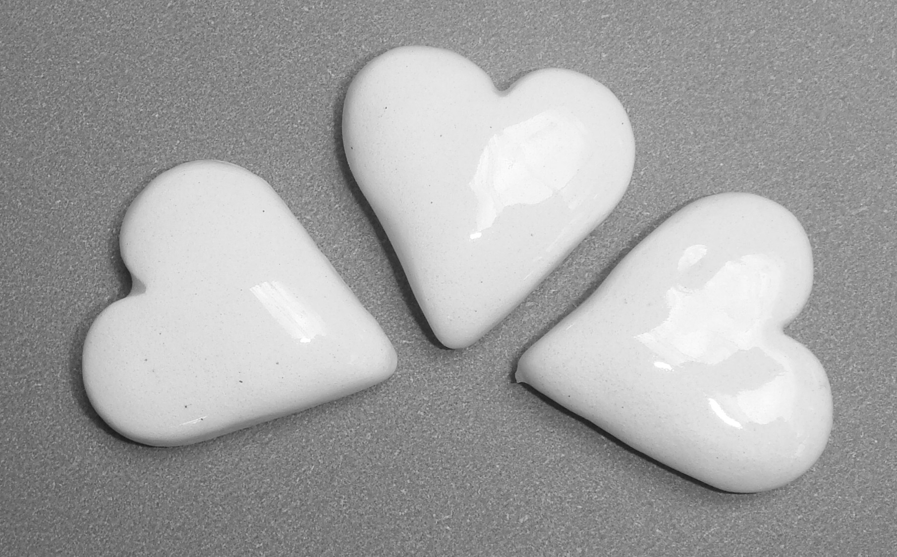 HEA-021 Fat Hearts White
