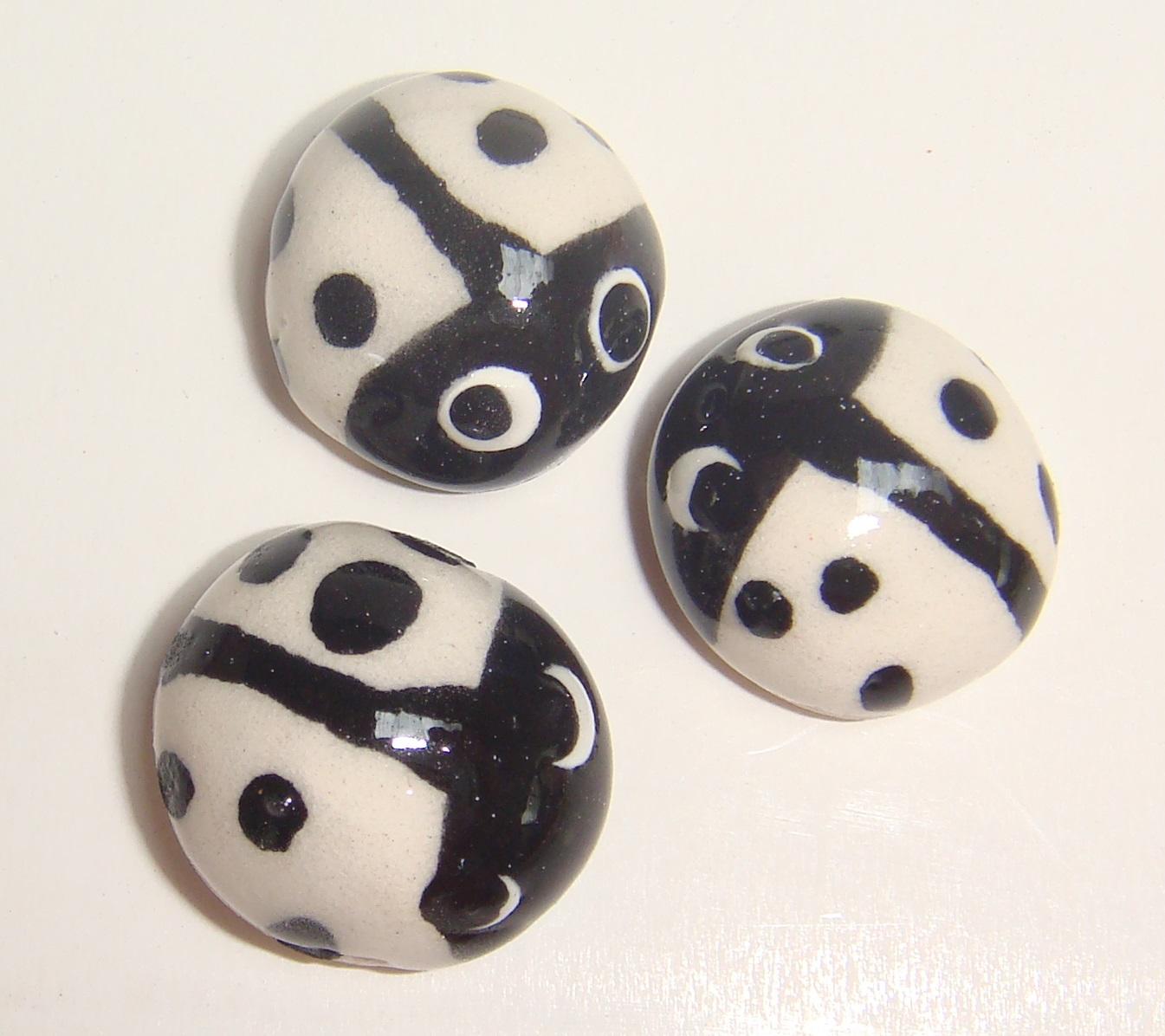 MI01-004 Ladybugs White